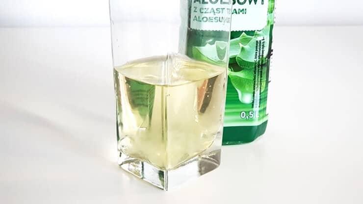 Napój aloesowy Vitanella (z cząstkami aloesu) - wygląd napoju