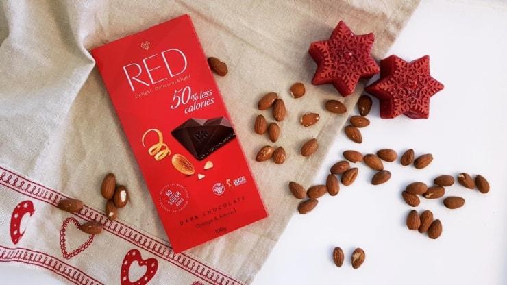 Ciemna czekolada RED Delight (pomarańcza i migdał)