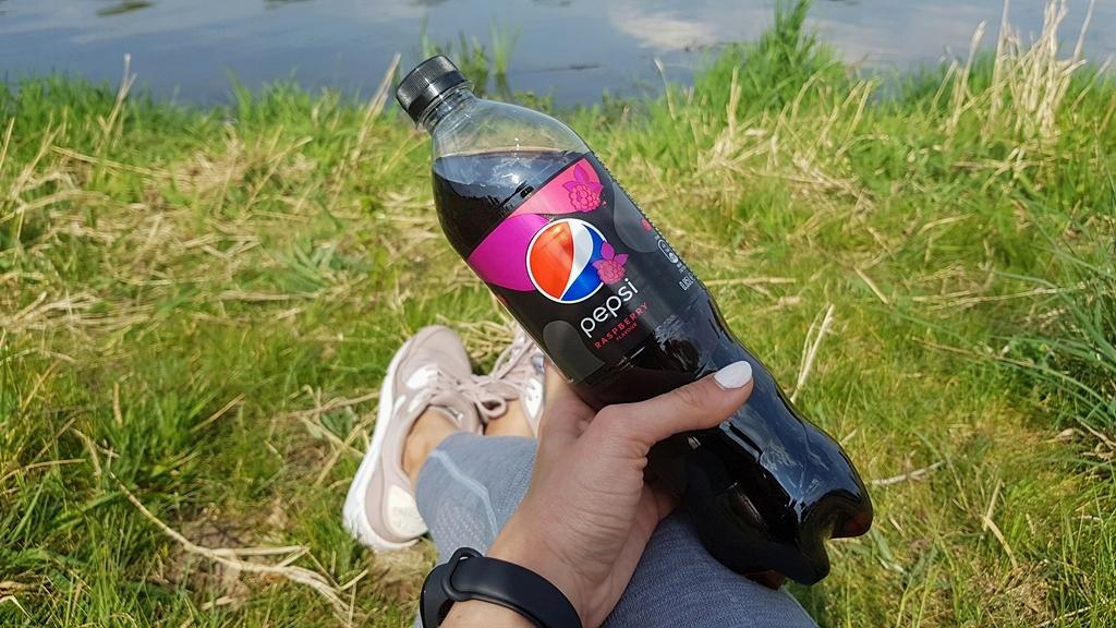 Relaks nad wodą z Pepsi MAX malinową