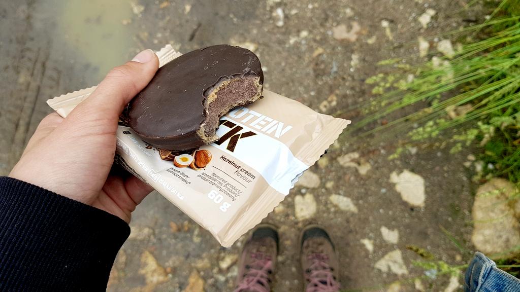 OLIMP Protein Snack (hazelnut cream) - wygląd ciastka w środku