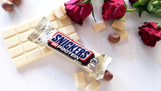 Snickers Hi Protein White - baton wysokobiałkowy